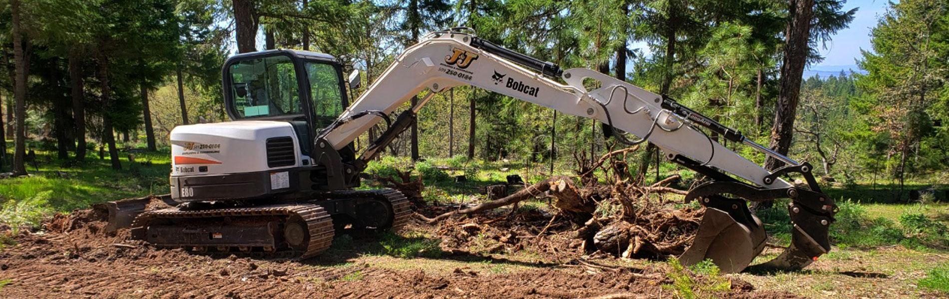 Excavator on the job in Klickitat, WA